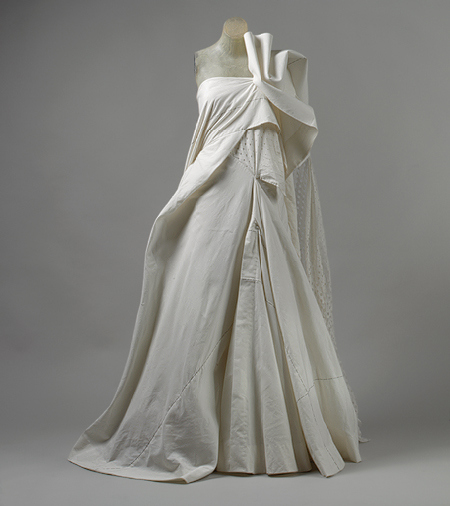 yohji_yamamoto_cotton-muslin_wedding-dress_2000.jpg