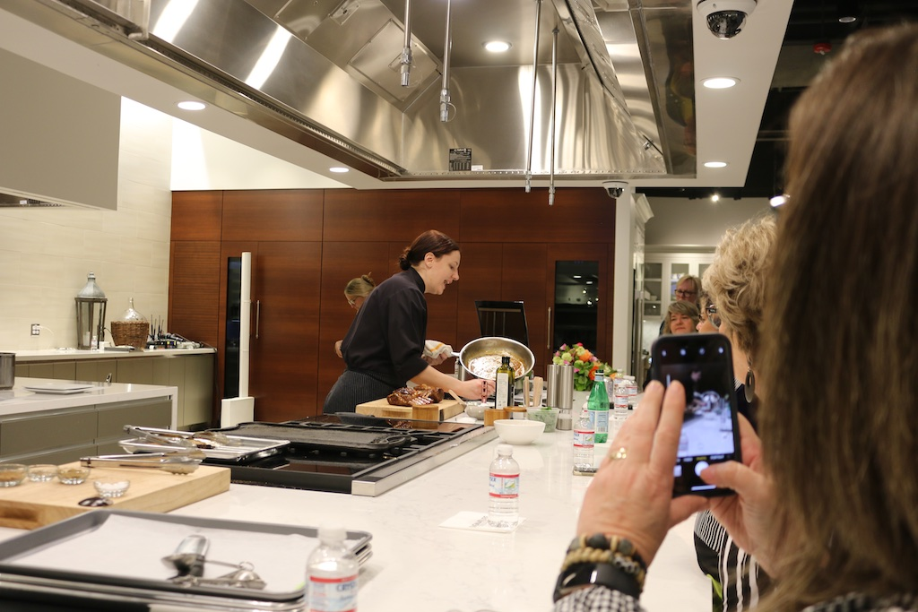 Chef AJ Schaller of CREA shows what the Dual-Fuel Pro Range can do -impressive!
