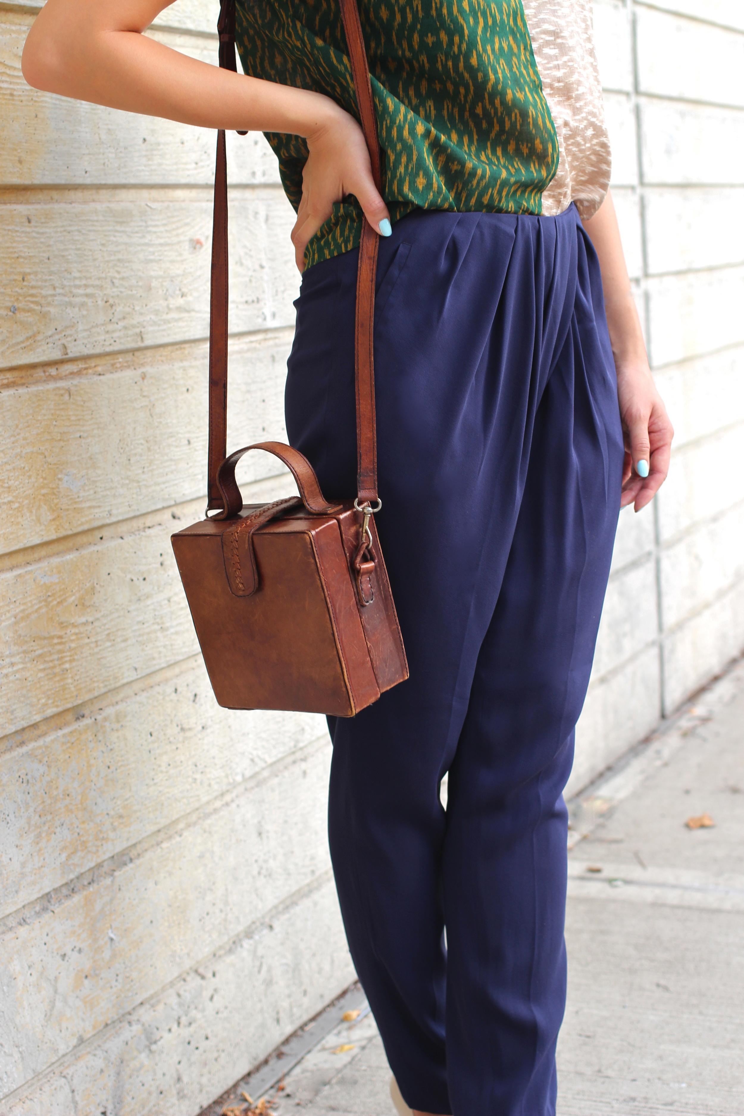 pleated_pants_vintage_leather_bag.jpg