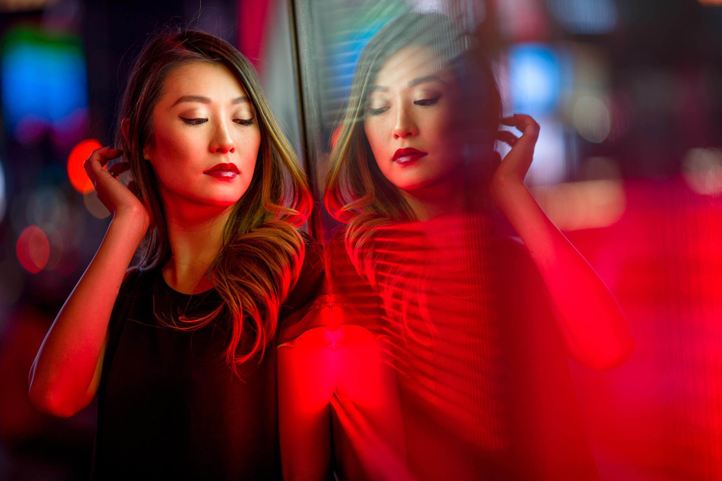 reflection_lights_red.jpg