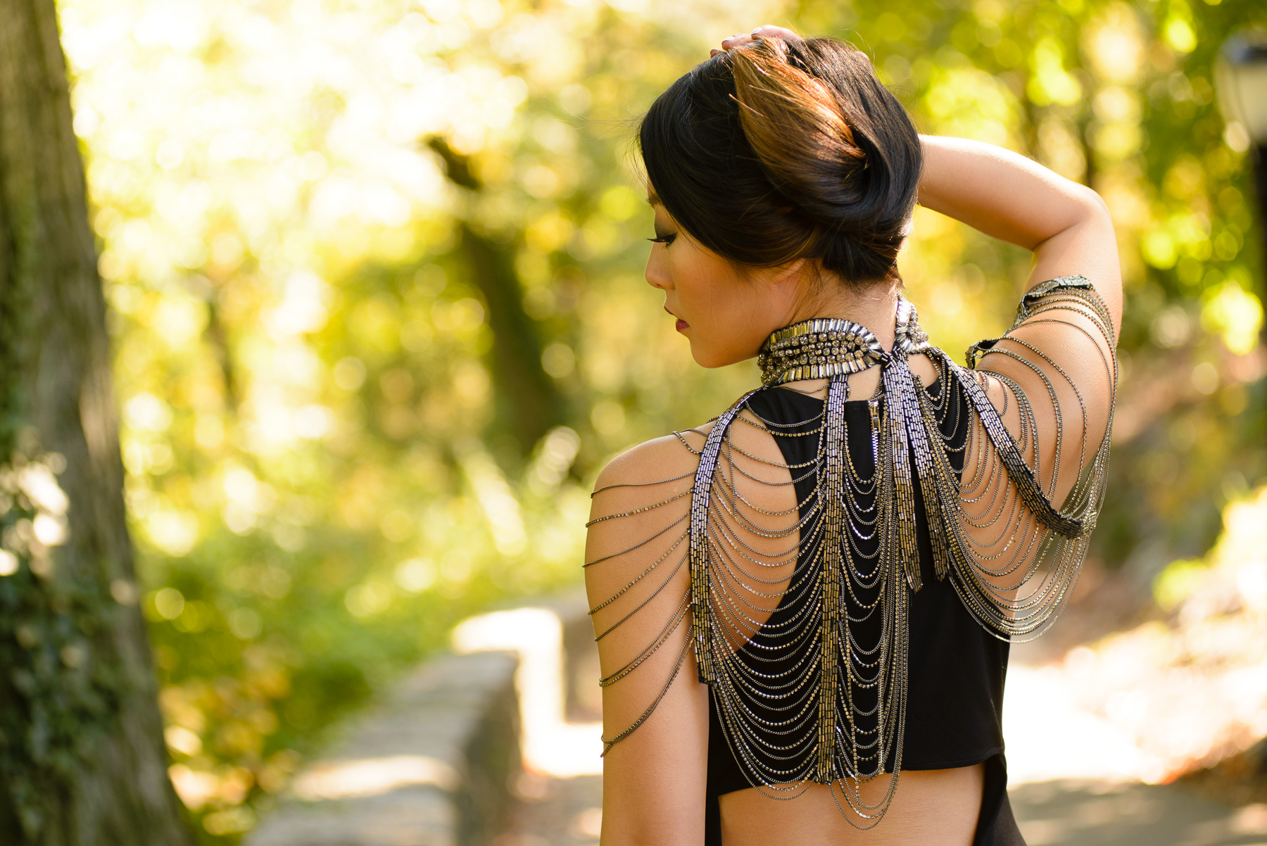 blackdress_neckpiece9.jpg