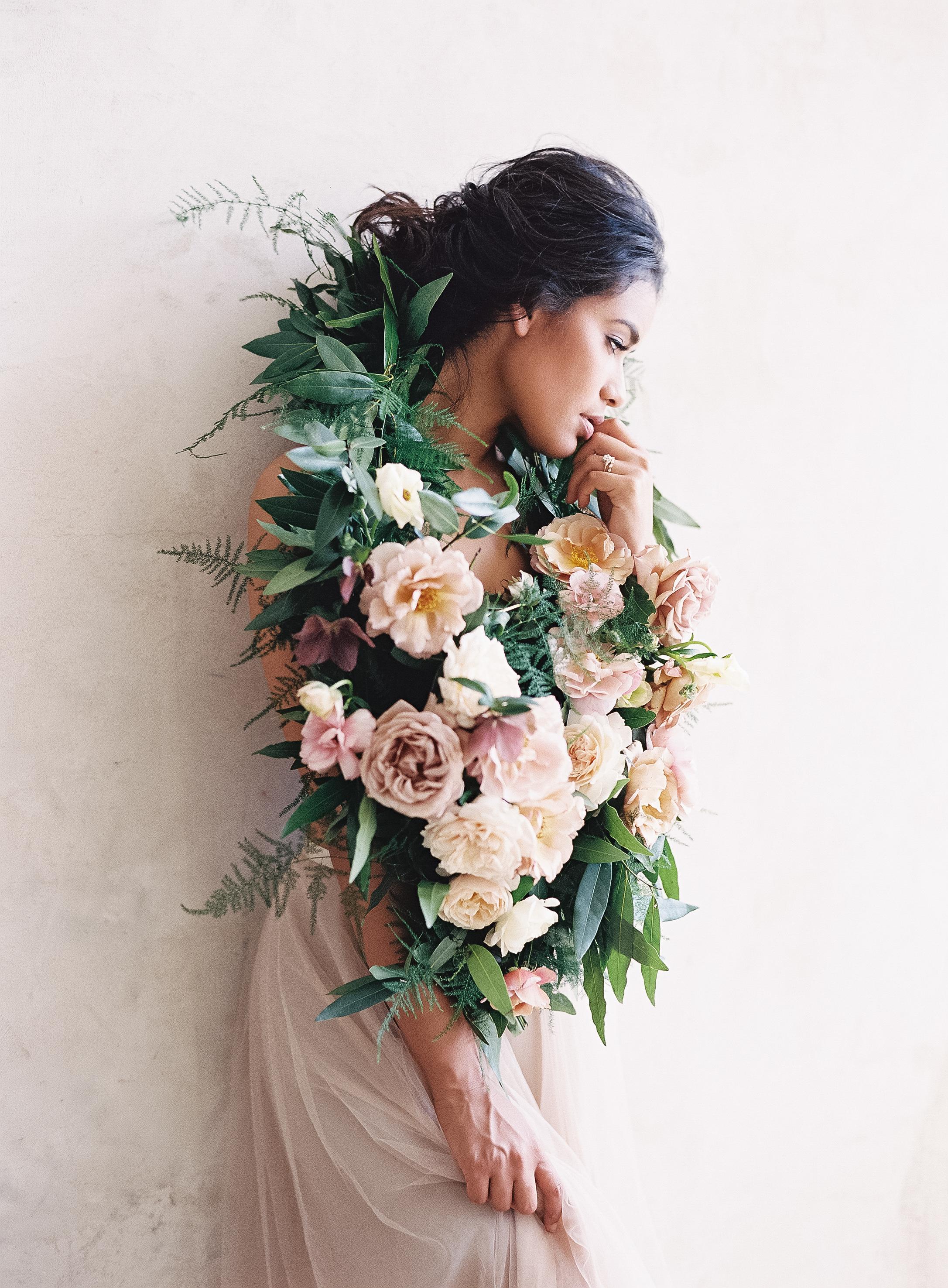 Bridal Bouquet and Wedding Florals   www.lunademarephoto.com