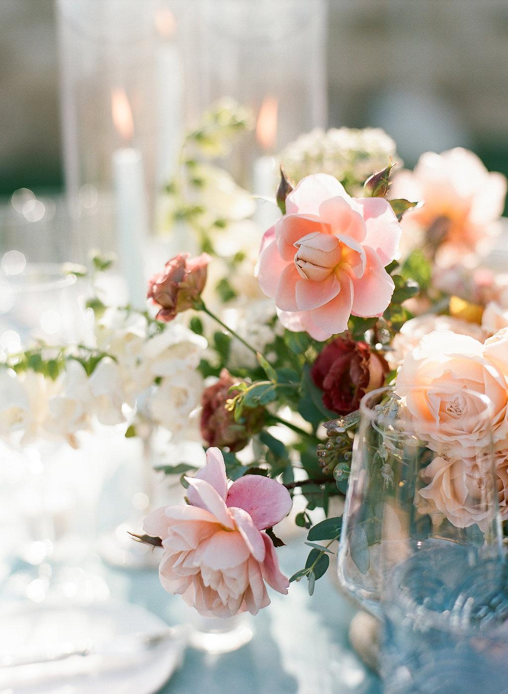 Wedding and Banquet Flower Arrangements   www.michellebeller.com    http://www.xoxobride.com