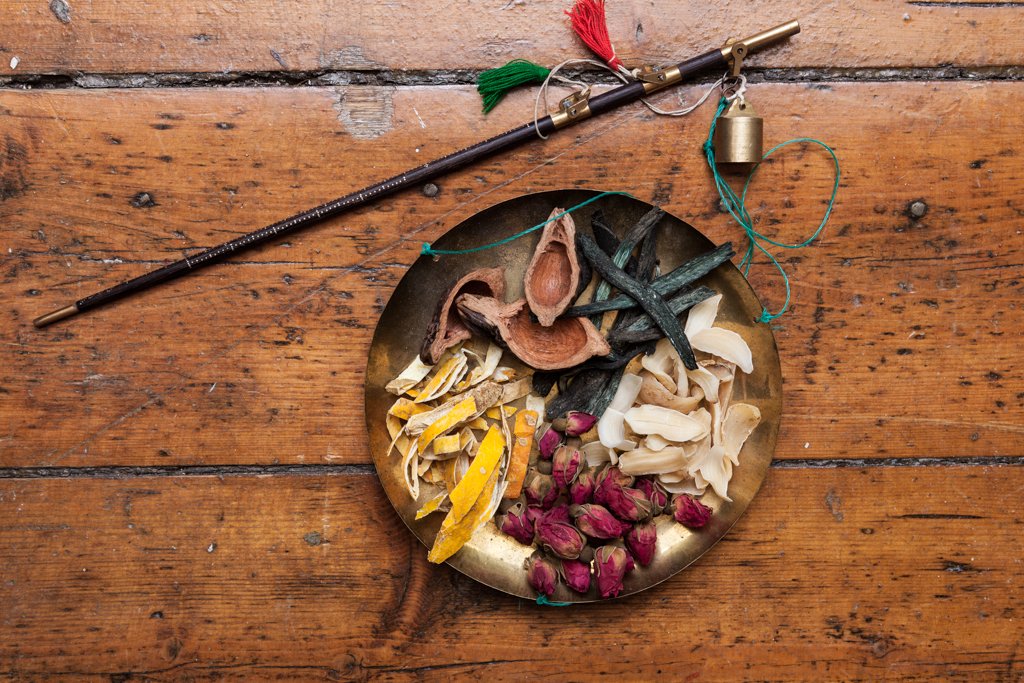 Herbs and chinese medicine scales  Naomi Jankowski,  Wild Herb   Chinese Medicine acupuncturist and herbalist