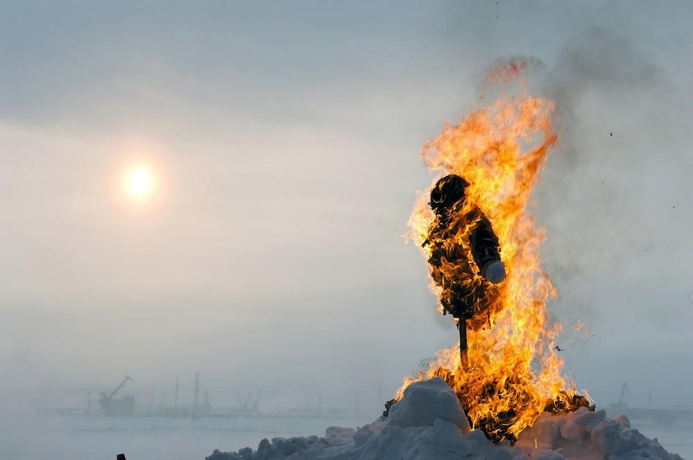 Tijdens Maslenitsa wordt het einde van de winter gevierd, onder meer door een pop te verbranden.