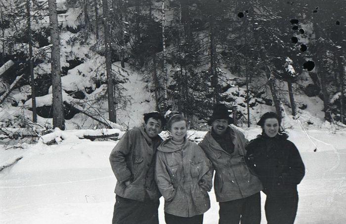 Tweede van links: Ljoeda Doebina