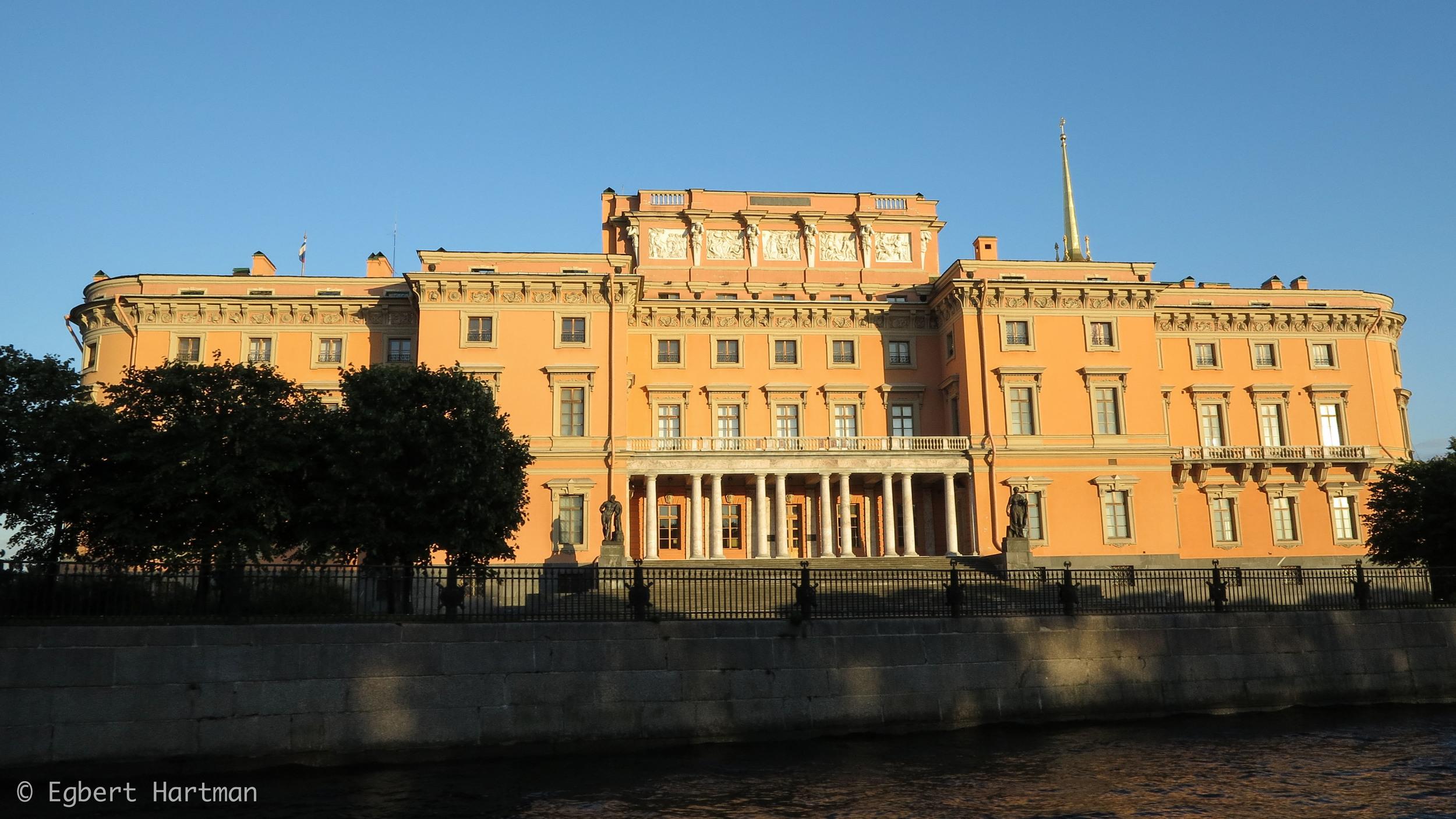 Sint-Petersburg, paleis