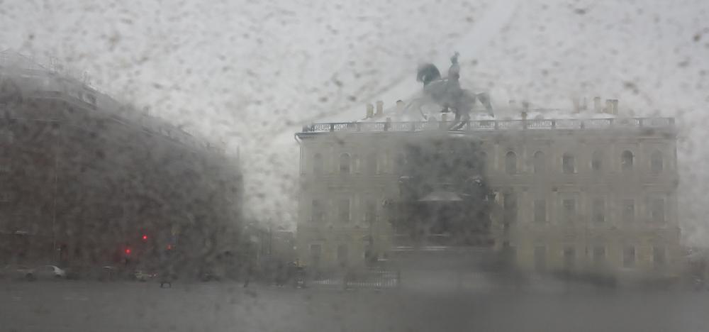standbeeld Nicolaas I winter Sint-Petersburg Izaakplein
