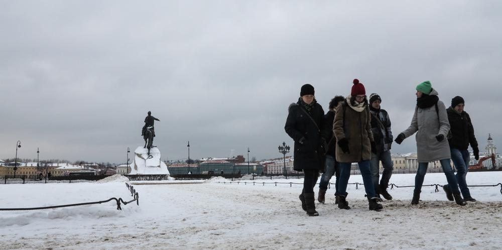 standbeeld Peter de Grote, Senaatsplein Dekabristenplein Bronzen Ruiter