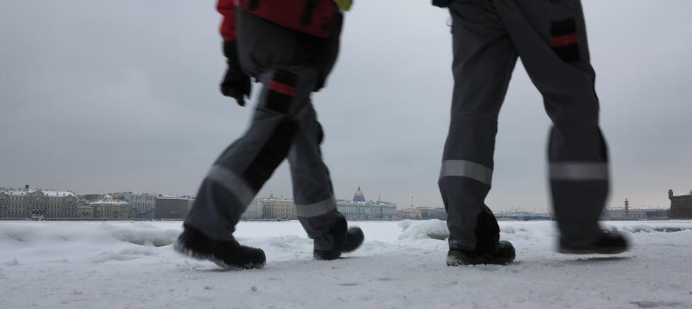 Neva Winterpaleis Hermitage sneeuw ijs winter Sint-Petersburg