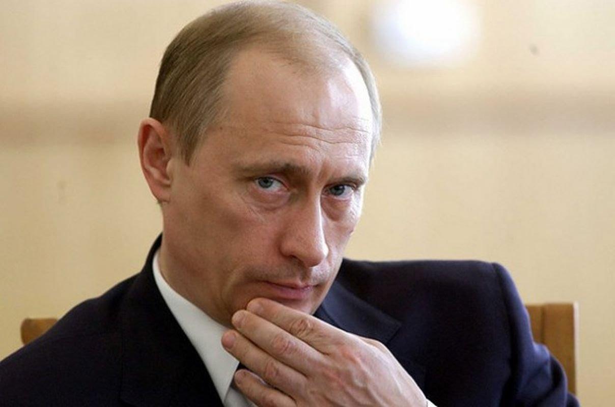 president Poetin KGB Pussy Riot civil society oppositie