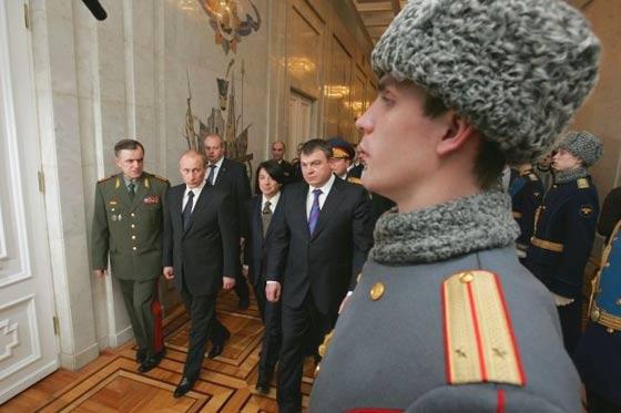 legeruniform Joedasjkin mode modeontwerper Poetin