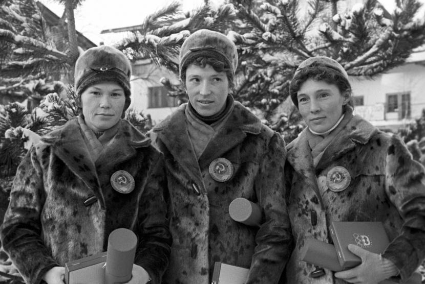 Grenoble 1964: langlaufsters Jevdokija Meksjilo, Klavdija Bojarskich en Alevtina Koltsjina