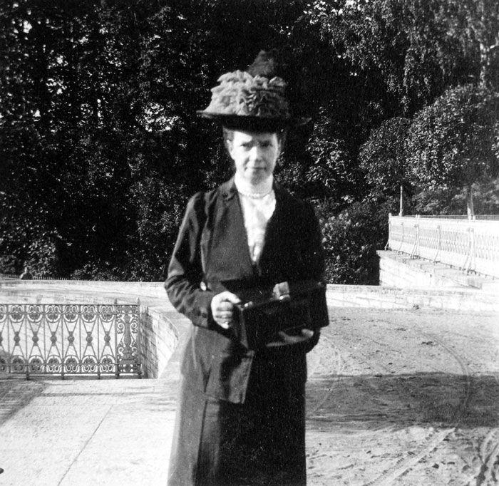 Marija Fjodorovna (moeder van Nicolaas II) met een kodak-camera