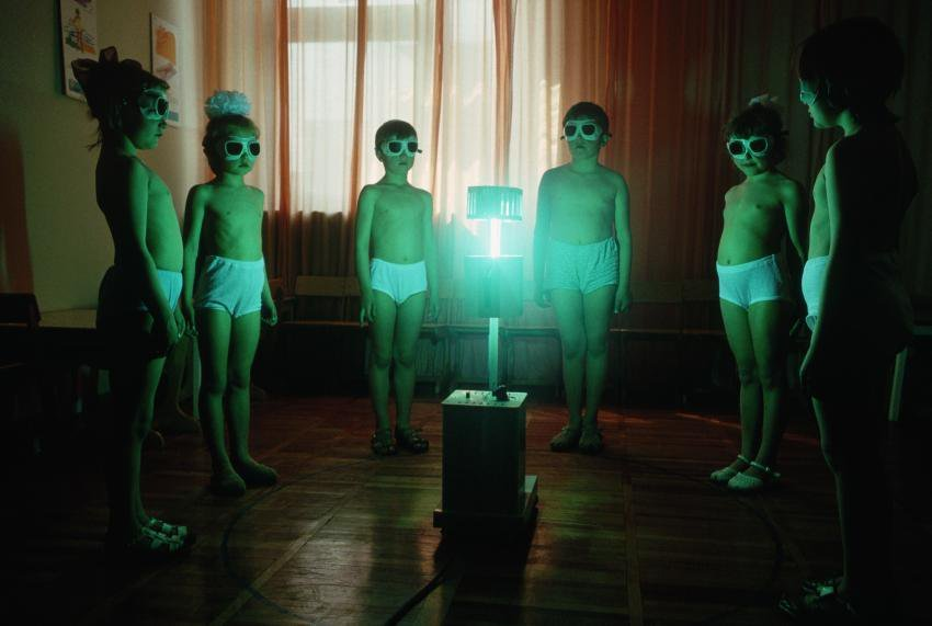 """UV lamp """"lightbaths"""" were given to Soviet kids in an attempt to supply them with vitamin D during the winter"""