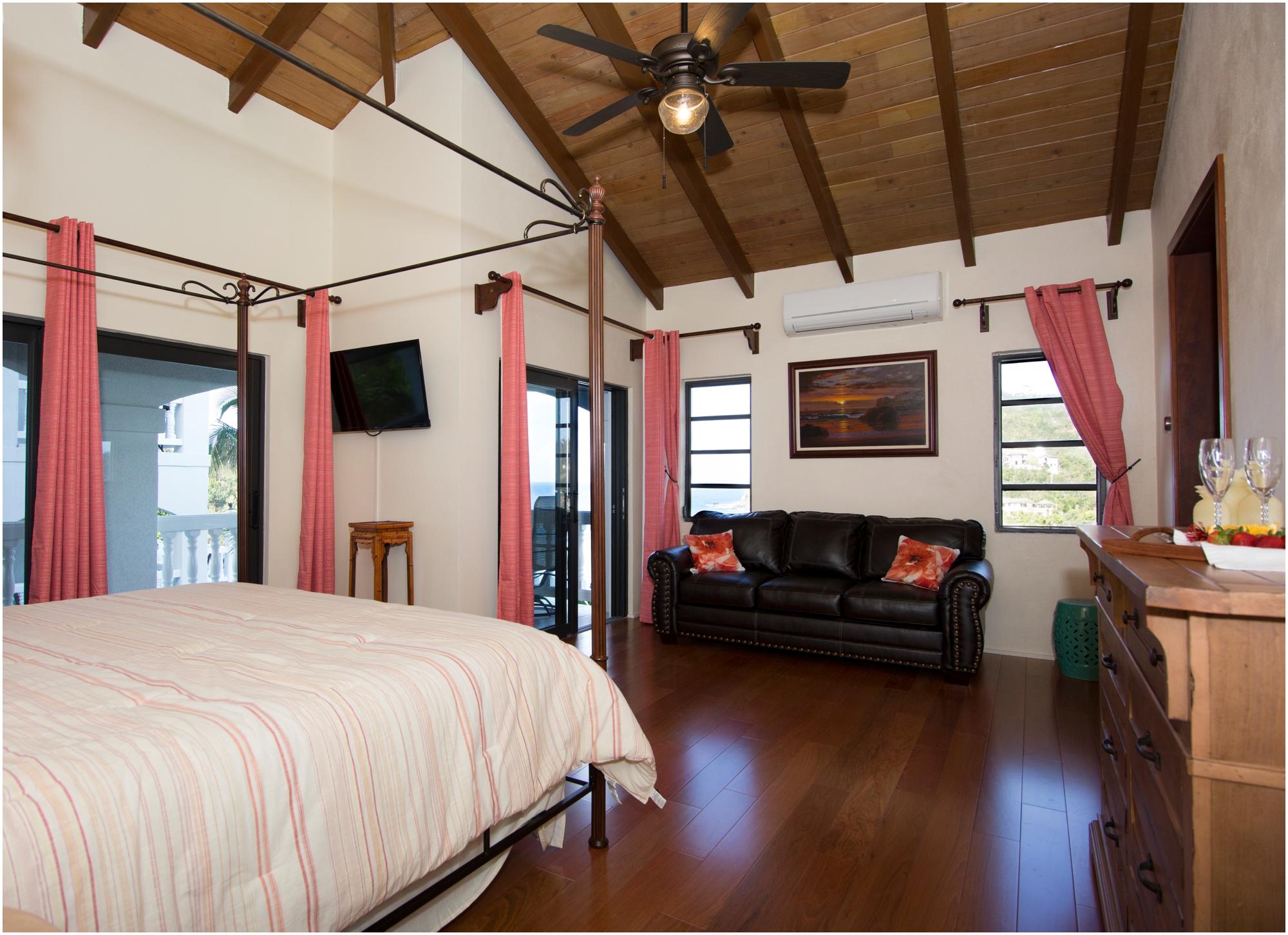 Villa St John Pineapple room 1.jpg
