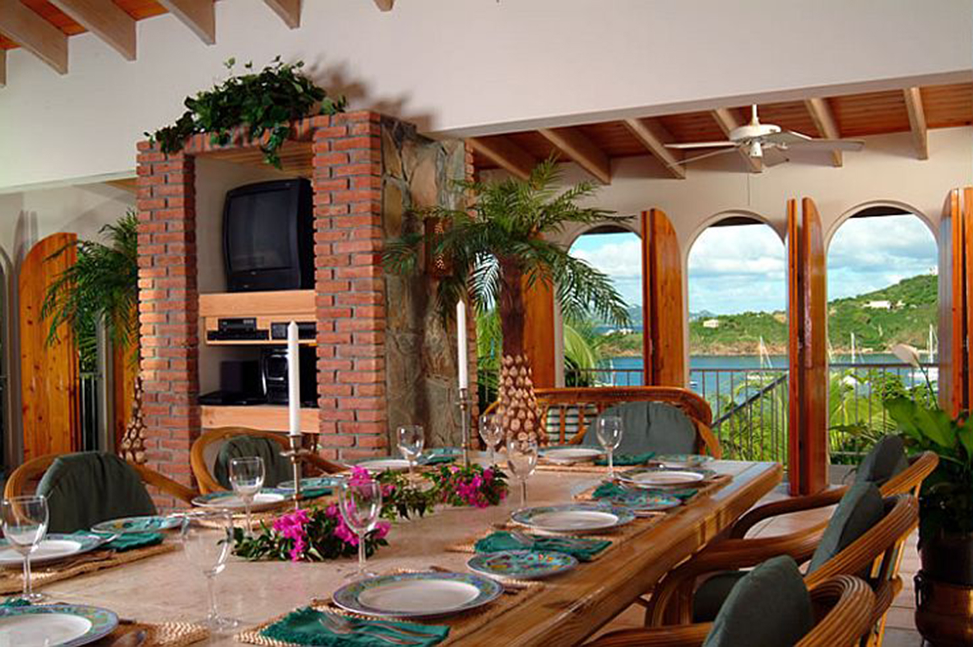 Dining-with-a-view.jpg
