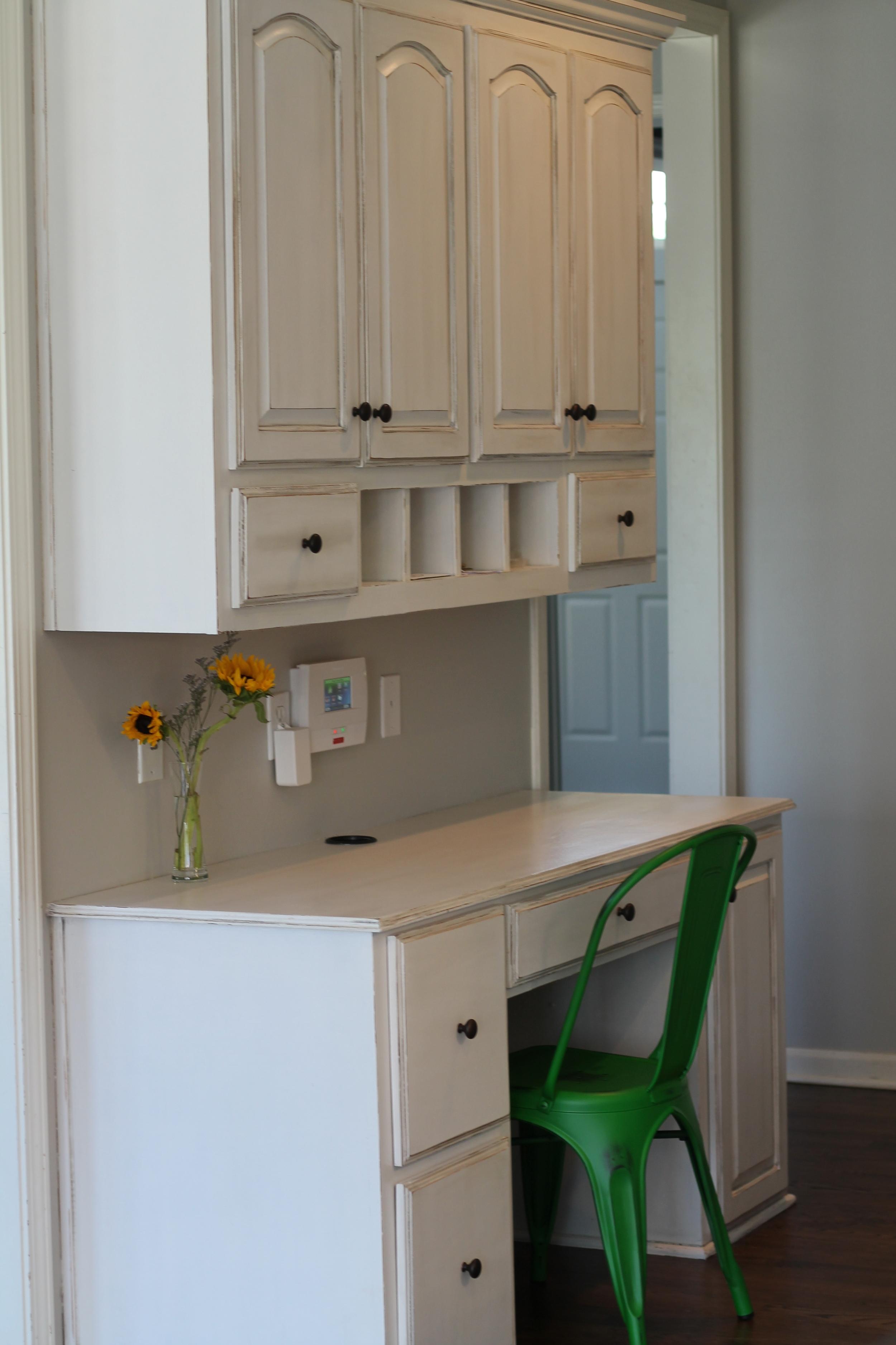 AmyHoward-DIY-OneStep-White-Kitchen.JPG