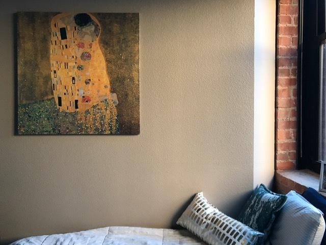 large-canvas-decor