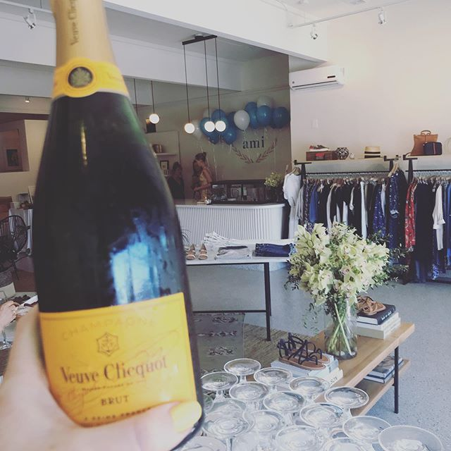 Who's ready for their next mimosa?! Weekends are for enjoying an extra little sip with friends 💕 Thanks to @the_ami_boutique for having us to celebrate their 1 year anniversary this week!! #foodentertainment #yvr #veuveclicquot