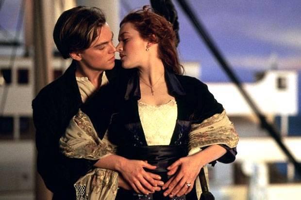 Titanic_leo_and_kate_boat.jpg