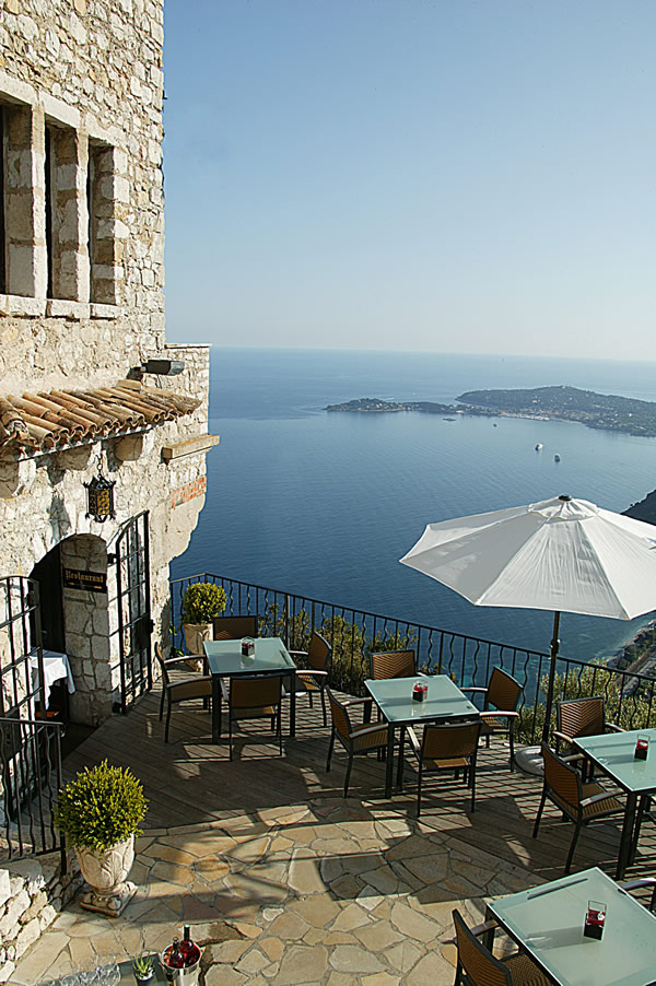 Restaurant-with-a-view-at-Chateau-Eza-in-Eze-Village.jpg