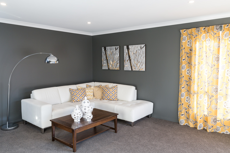 Flaxton lounge room
