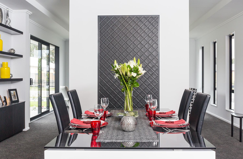 Manhatten dining table