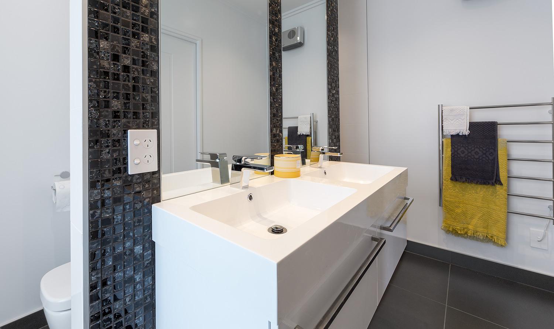 Manhatten bathroom vanity