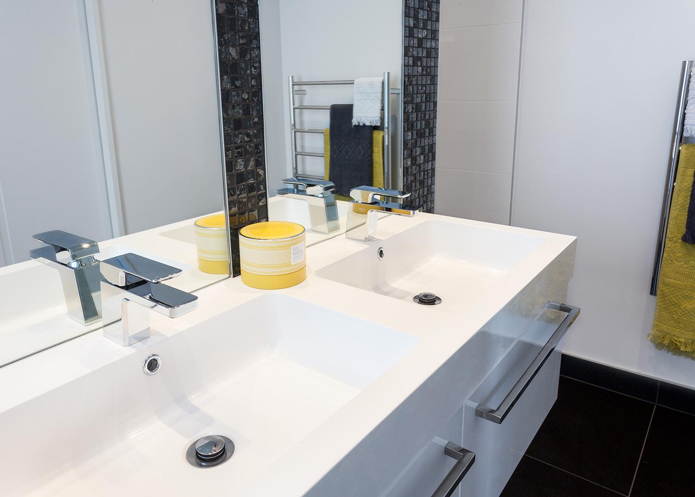 Manhatten bathroom detail