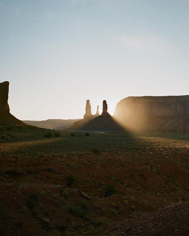 Three Sisters in Monument Valley, AZ / Mamiya 645 + Fuji 400H 120