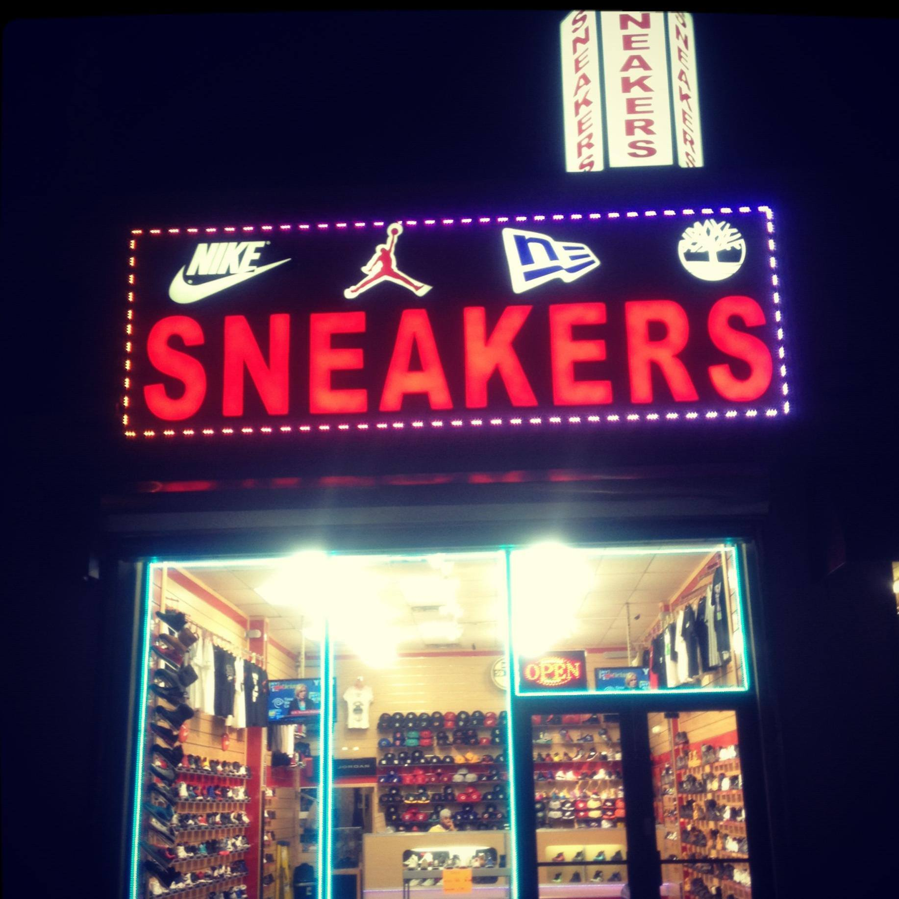 FCS SNEAKERS   252-18 Rockaway Blvd, Rosedale, NY 11422 (718) 470-2055