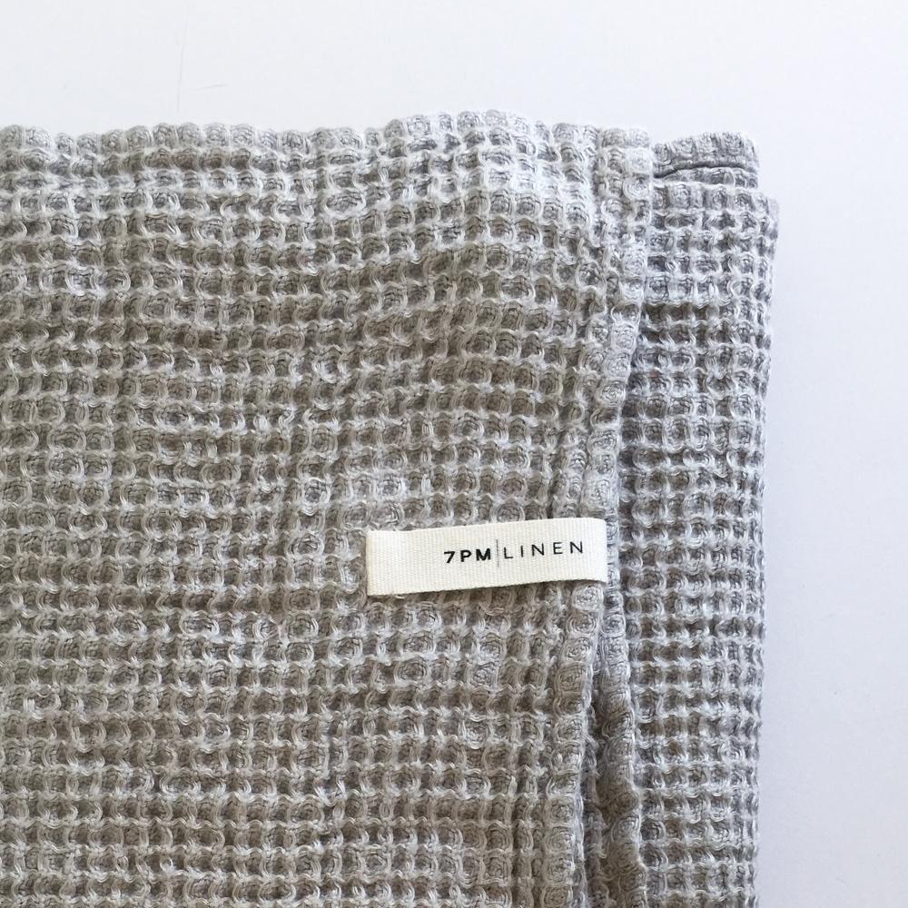 https://www.7pmlinen.com/blankets-1/natural-waffle-blanket-tdj2d