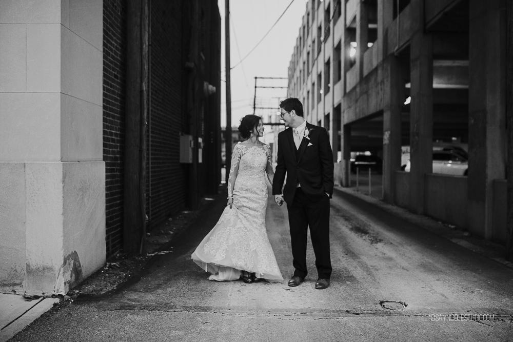 Toledo_Ohio_Wedding_Photographer_Lindsay_Nicole_Studio