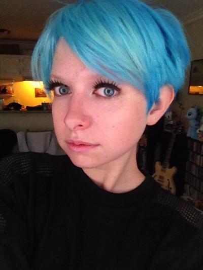Rocking the bright blue hair!