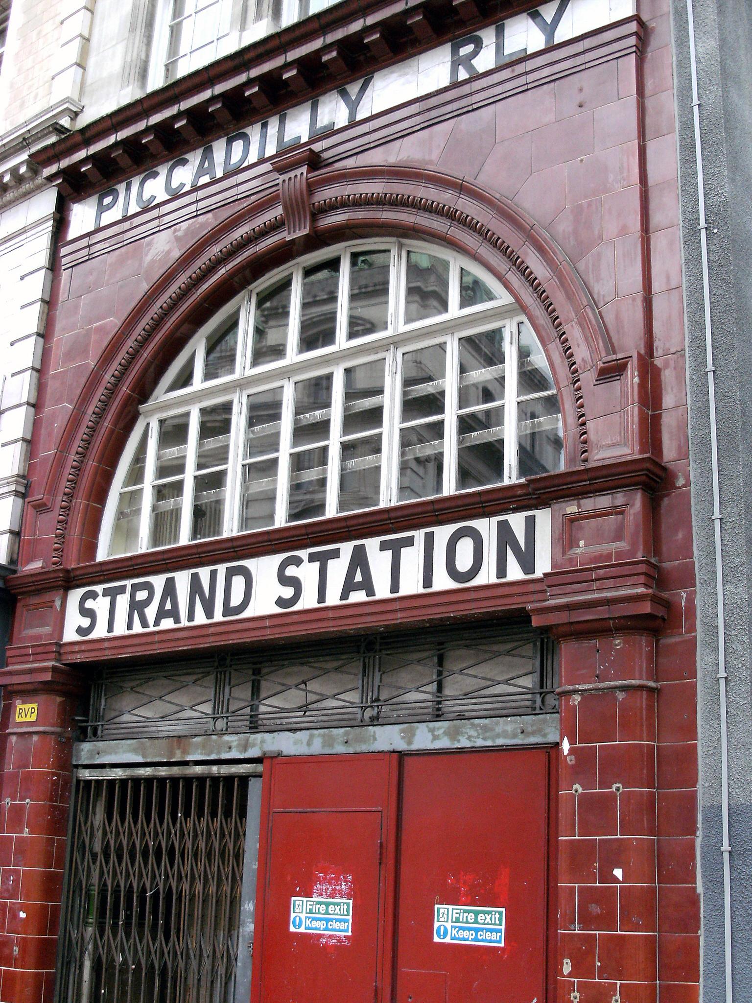 Aldwych Station  /Photo © Stewart Macfarlane