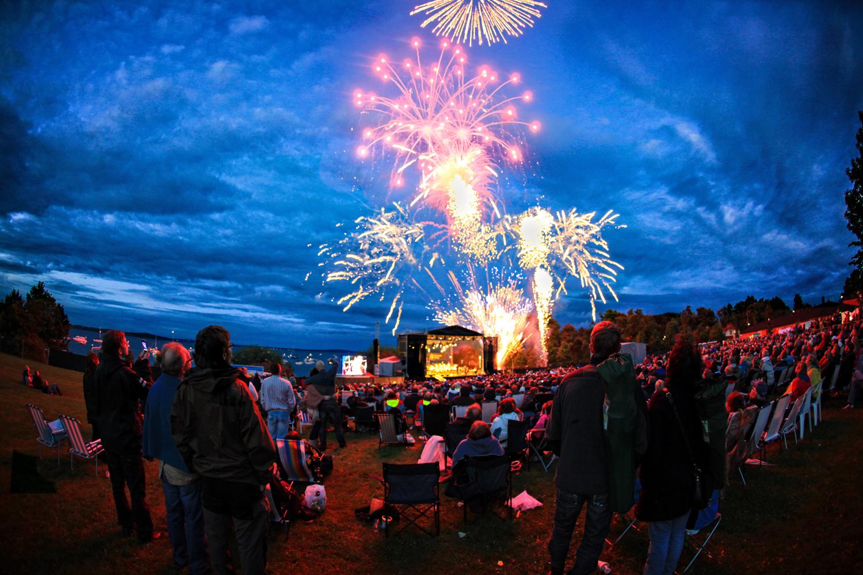 Fyrverkerikonserten avslutter Vestfoldfestspillene og markerer starten på sommer-Vestfold.