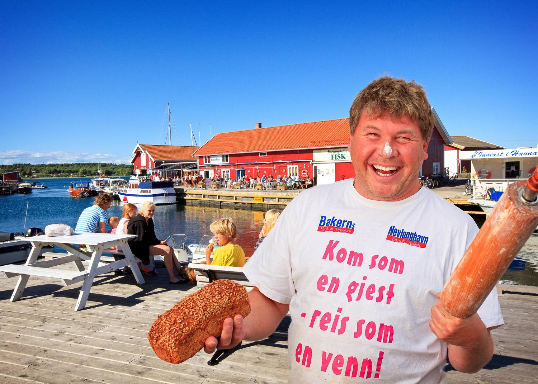 Nevlunghavn Bakeri & Conditori    AMBASSADØREN    LES MER
