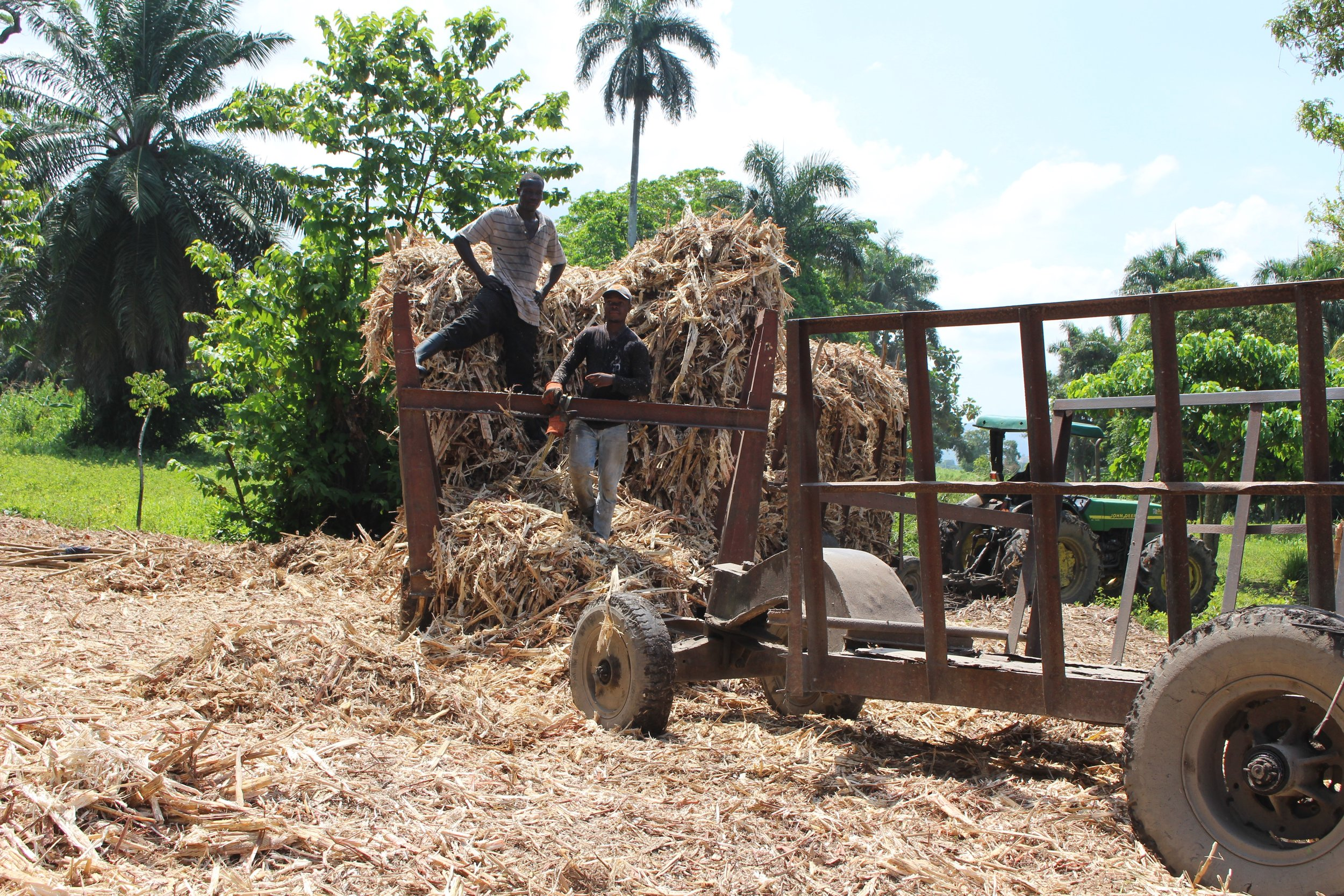 2. CRI purchases agricultural waste from local farmers and small-scale processors and transport it to production facility in north Haiti.