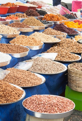 dreamstime_xs_27097283 Spices and Nuts.jpg