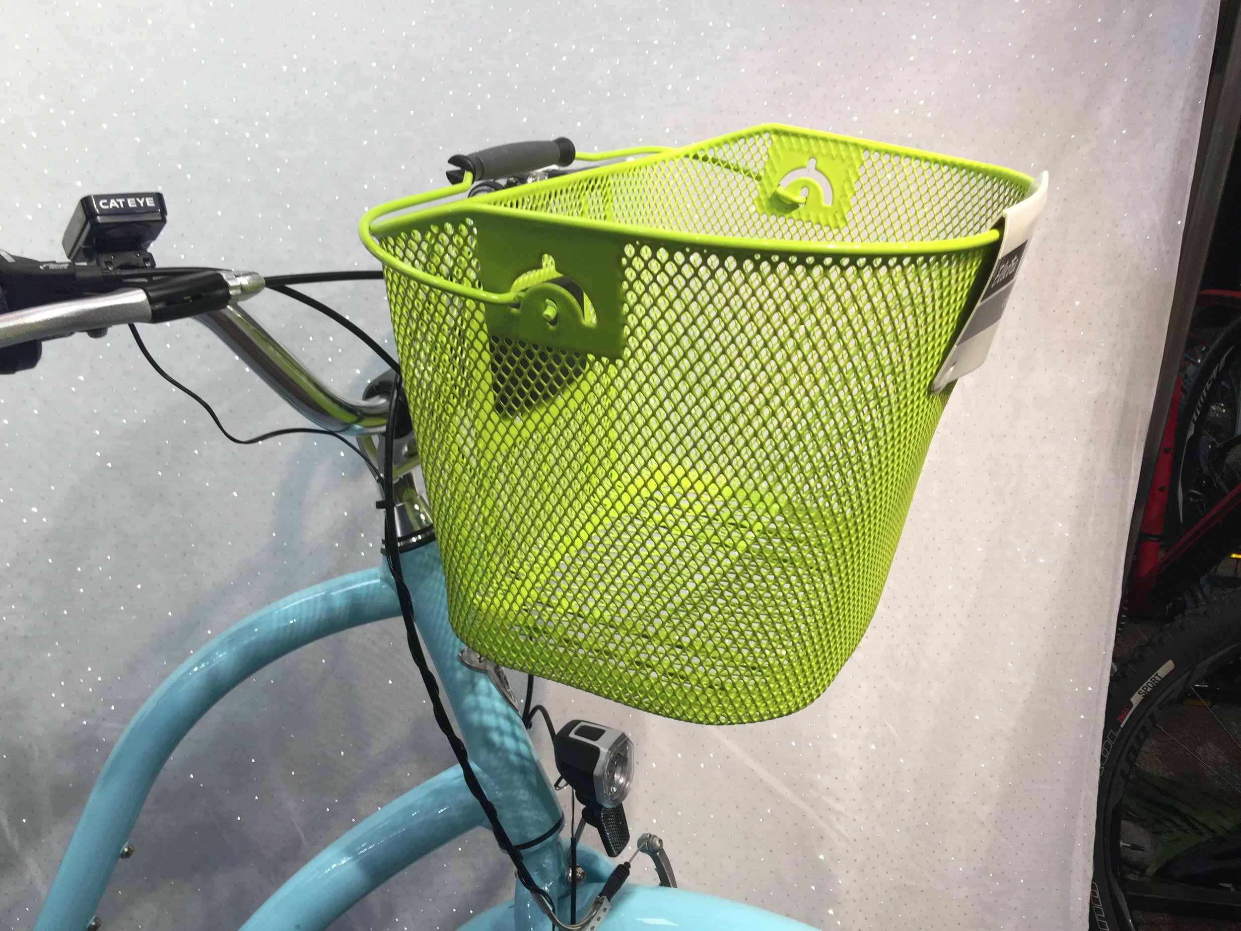 Front Baskets, Quick Release Mount, Convenient Handle, Open Mesh Design won't hold water