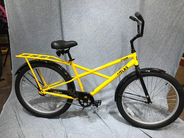 Sun Atlas X-Type. $430. With front basket (not shown) $500.    Large frame, heavy duty wheels and tires, and rack.