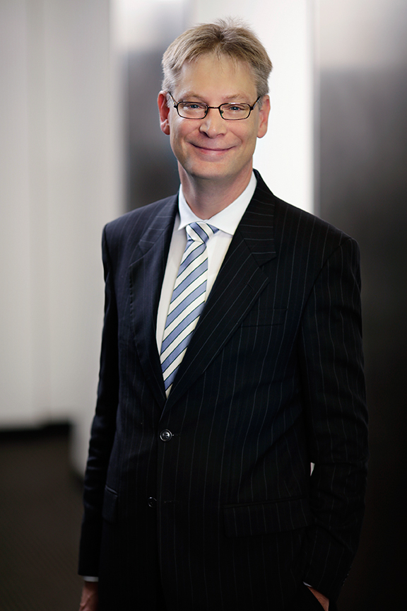 Matthew has practised at the Bar in Brisbane since 1999, having been a solicitor prior to that. In that time, he has developed a broad commercial and civil practice, with particular emphasis upon professional negligence, administrative and trade practices cases. He is regularly briefed by various Commonwealth entities, including ASIC and the ACCC. Matthew has considerable experience in conducting large and complex cases, including civil penalty proceedings in both the Federal and State Courts.