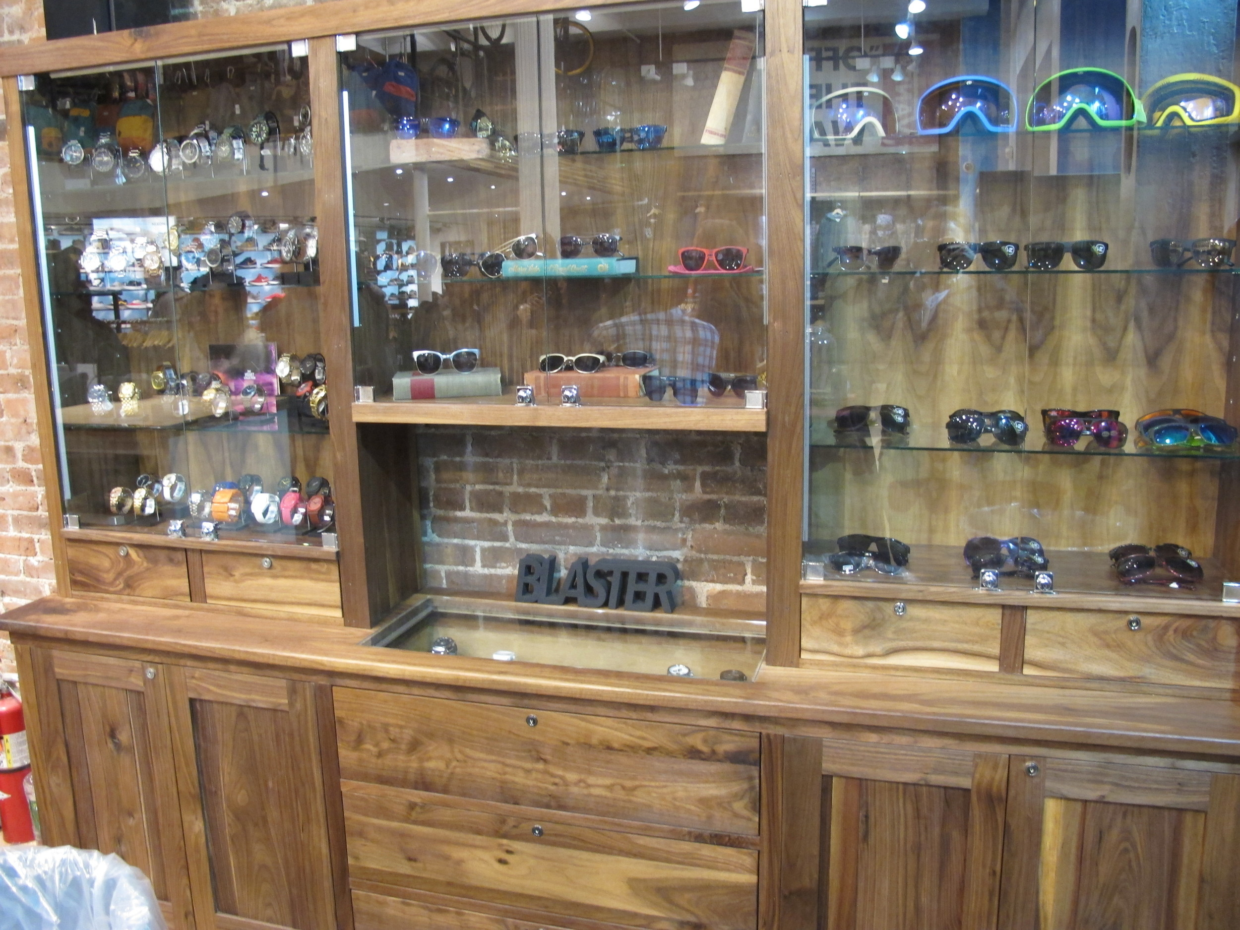 Blades Sunglass Display