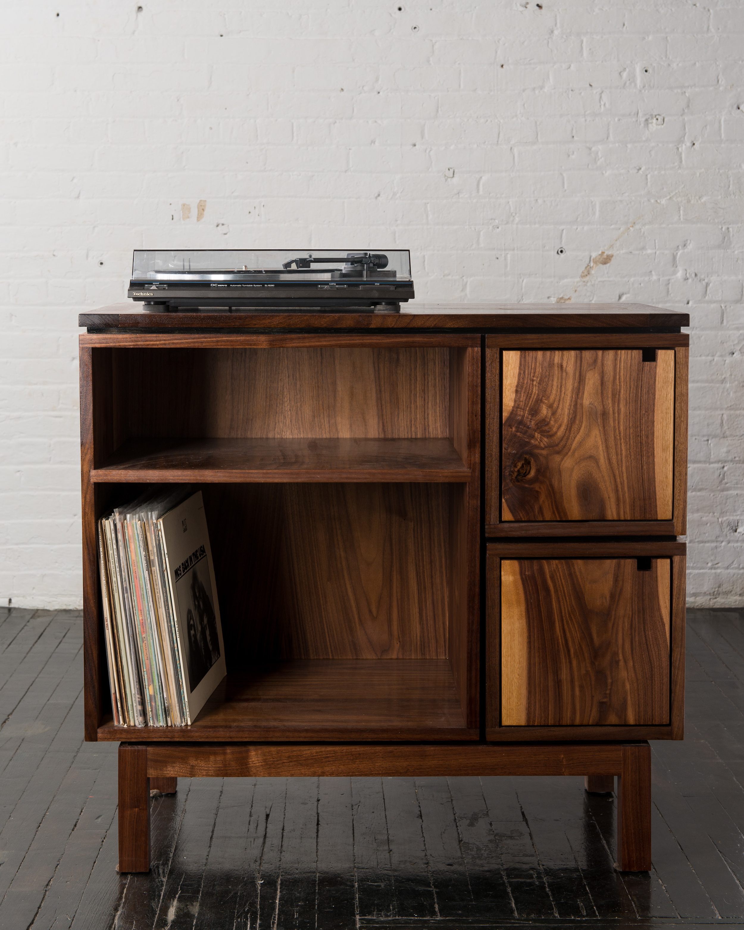 Record Stand 2.jpg