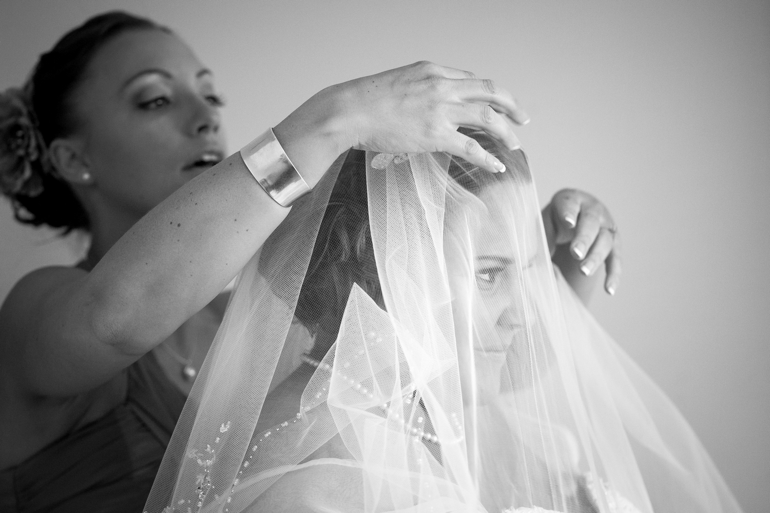 Help with the veil.
