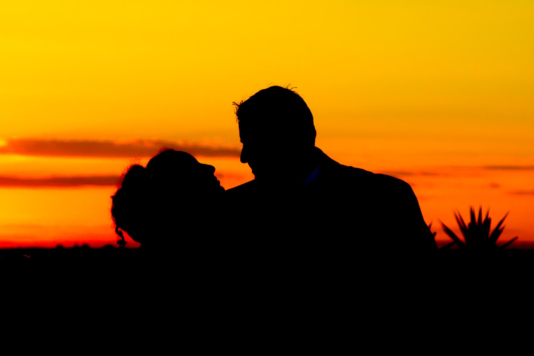 red-sunset-bride-groom.jpg