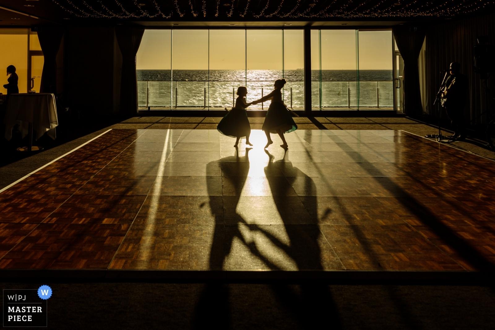 flowergirls-dancing-sunlight.jpg