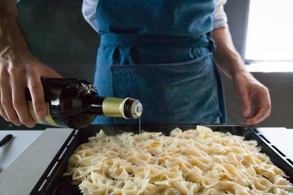 淋上些許的橄欖油後放涼。