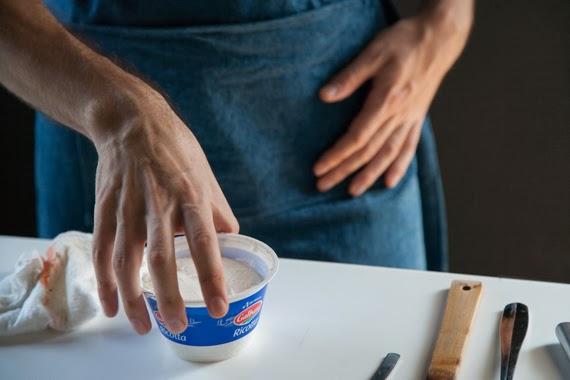 3. 瑞扣塔起司與青醬混合均勻(不夠鹹的話可再加鹽)。